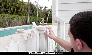 Therealworkout - slutty white wife bonks the poolboy!