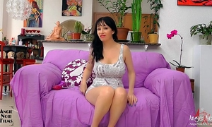 Anal fingering and sex tool fucking hardcore milf squirter