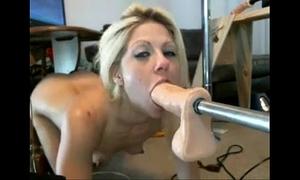 Girl masturbate deepthroat moisesk380