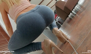 Givemepink breathtaking blond with a ideal natural body pleasures herself to orga