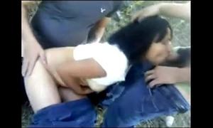 Cojiendo en el campo con 2 weyes por www.pornomxdonkey.blogspot.com