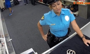 Police officer with biggest mambos got drilled in the backroom