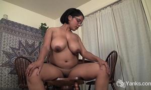 Busty bulky natalia rubbing her vagina