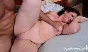 Big arse dark brown nurse takes penis unfathomable in her butt