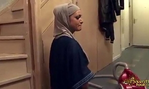 Hijabi white wife fucked right into an asshole