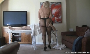 Pantyhose massage large butt woman in tights