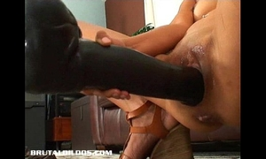 Petite thai dilettante gaped from a brutal sextoy insertion