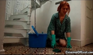 Kinky lesbo redhead abusing her hot