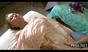 Busty hottie gest sensual massage