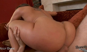 Brunette kelly divine acquires anally drilled