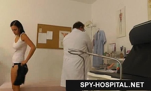 Spy webcam hospital gyno doctor checking vagina