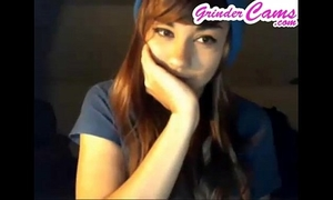 Boxxy on livecam showing breasts and butt