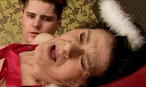 Amateur older granny screwed hard