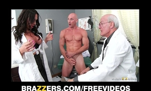 Beautiful doctor's assistant destiny dixon bonks her hung patient