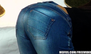 Nothing hotter than a round booty in a couple of taut jeans