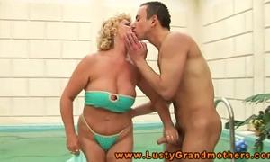 Amateur mature granny giving head