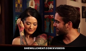 Shewillcheat - tatted slutwife cheats on old spouse with juvenile weenie