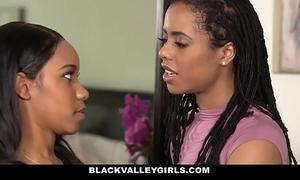 Blackvalleygirls- sexy swarthy bffs scissor & fuck