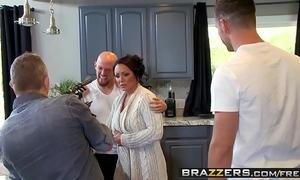 Brazzers - mamma got whoppers - (ashton blake), (mike mancini) - pimp my mama