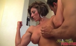 Female bodybuilder femdom-goddess amazon receive worshiped