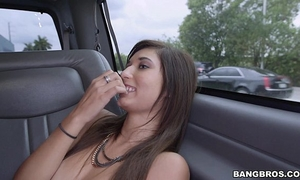 Petite amateur wife screwed for some cash