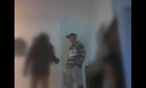Namorada novinha fudendo com entregador (kasal top) x-topvideos.blogspot.com.br
