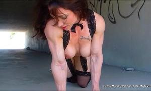 Eroticmusclevideos public masturbation built gutter bunny